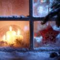 © lily - Fotolia (weihnachtliches Fenster)